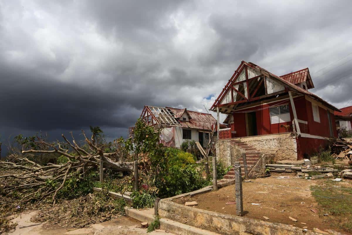 Palestinian medical aid team heads to hurricane hit Caribbean